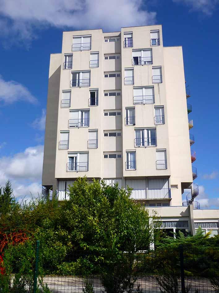 residence-nozats-facade